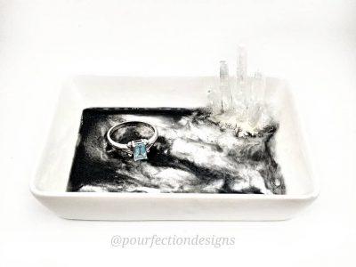 BW White Ceramic Trinket Dish With Selenite