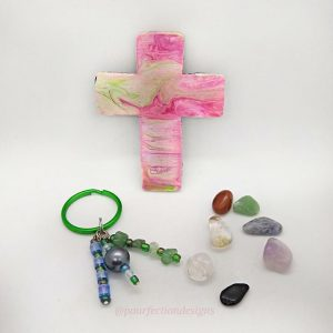 Spring Bundle Cross Magnet , Green Aventurine and Bead Keychain and 7 polished crystal tumbles.